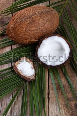 Kokosnoot houten tafel houten gezonde voeding voedsel natuur Stockfoto © Lana_M