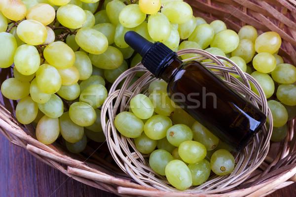 Raisins faible bouteille verre Photo stock © Lana_M