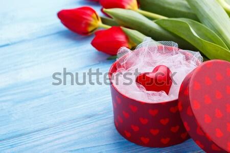 Rood hart vak tulpen Blauw houten Stockfoto © Lana_M