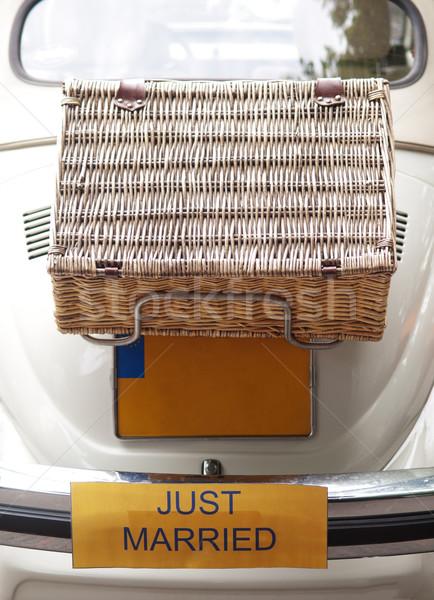 Araba beyaz Hollanda bavul geri Stok fotoğraf © ldambies