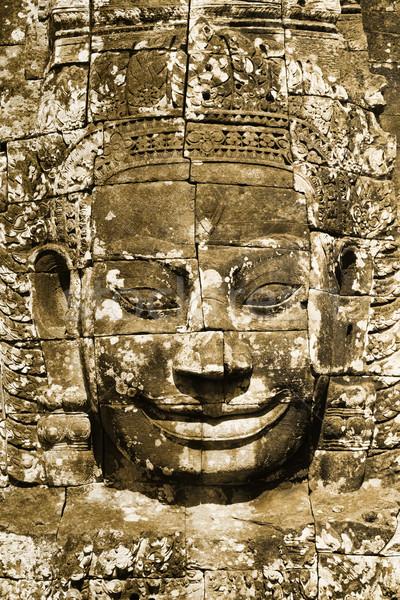 Visage énigmatique temple Angkor Wat Cambodge mur Photo stock © ldambies