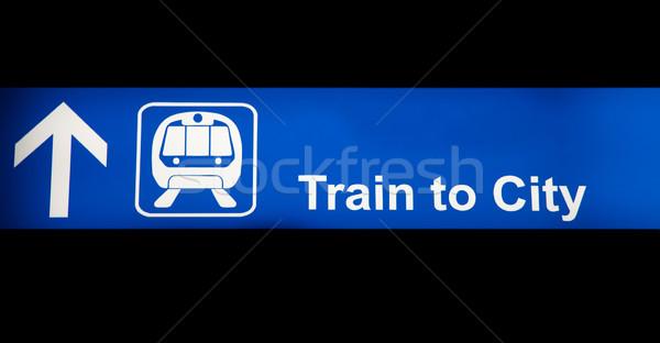 Trem cidade azul assinar aeroporto isolado Foto stock © ldambies