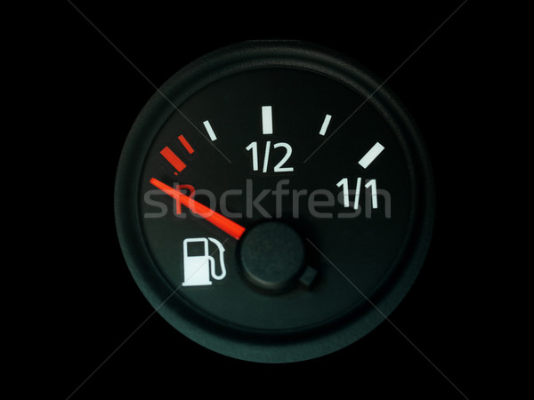 Indicador de combustible rojo aguja vacío coche salpicadero Foto stock © ldambies