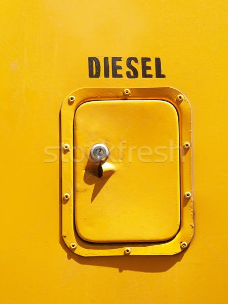 Diesel tank deur Geel kant bus Stockfoto © ldambies