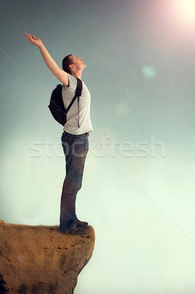 Mann Arme Lob glücklich Jeans allein Stock foto © leeavison