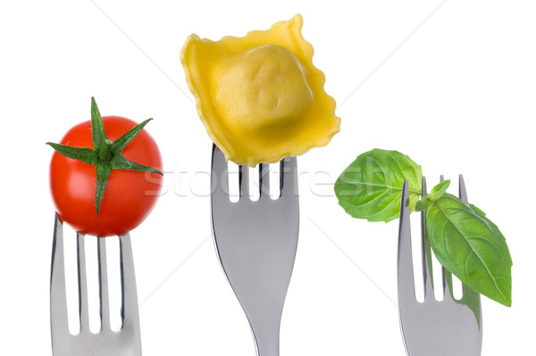 Foto stock: Ravioli · macarrão · manjericão · tomates · comida · ingredientes