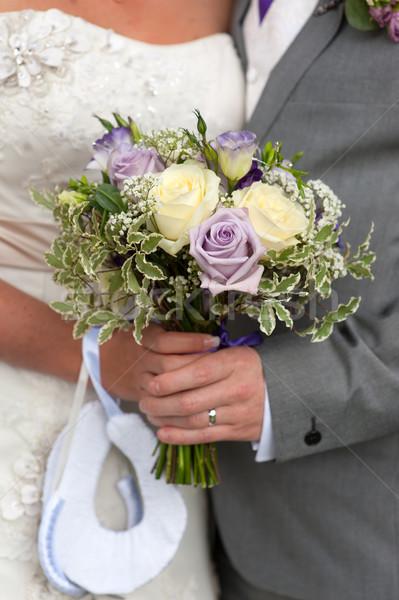 Gelin damat güller Stok fotoğraf © leeavison