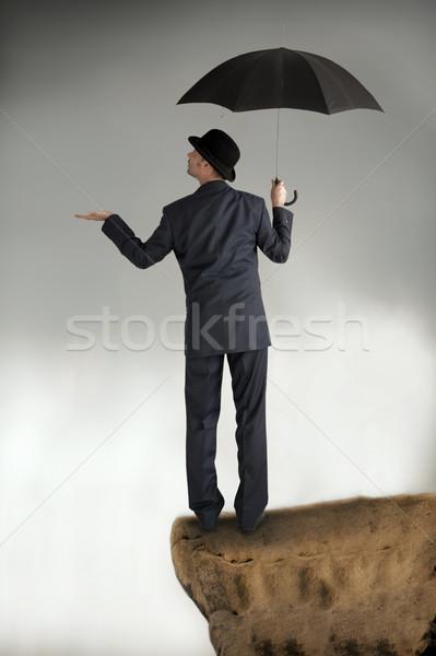 Foto stock: Negócio · proteção · empresário · guarda-chuva · sentimento · chuva
