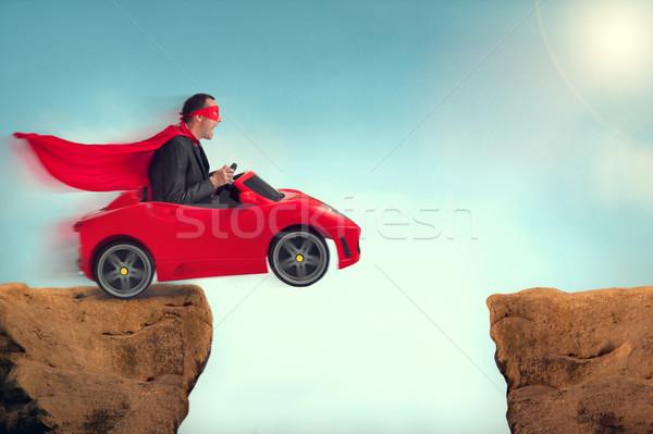 Homem carro saltando vermelho saltar acelerar Foto stock © leeavison