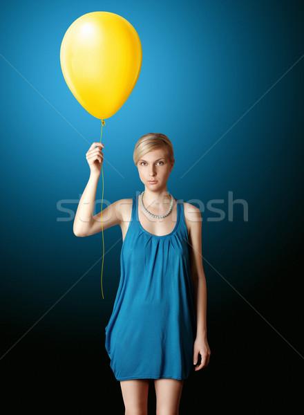 Сток-фото: блондинка · синий · платье · желтый · шаре · женщину