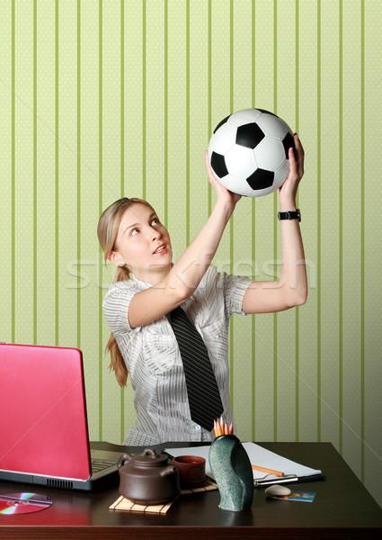 Geschäftsfrau beobachten Fußball Computer Mädchen Sport Stock foto © leedsn