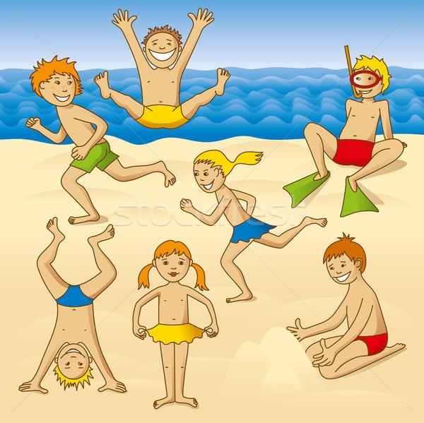 Praia diversão jogar crianças mar olhos Foto stock © leedsn