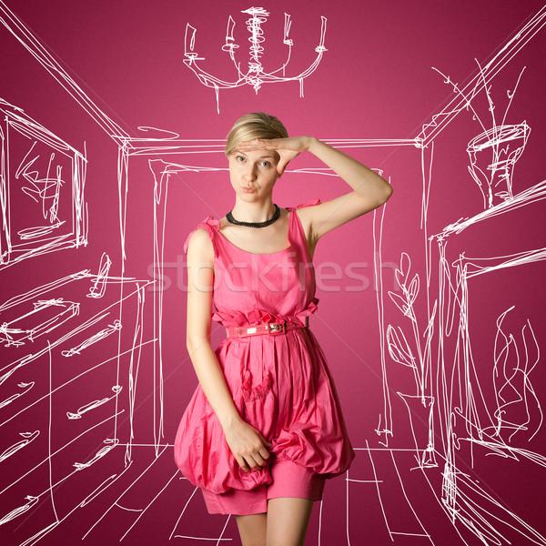 Szexi női utaskíserő rózsaszín néz kamera Stock fotó © leedsn