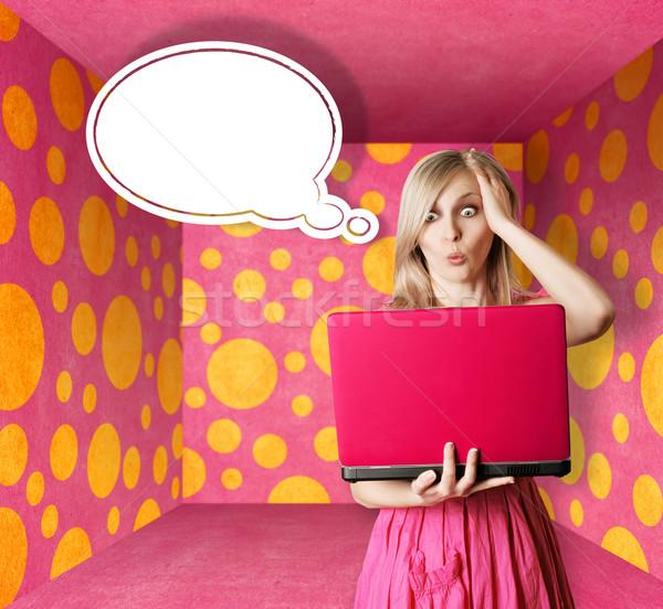 Stock foto: Rosa · Kleid · Laptop · Blase · überrascht
