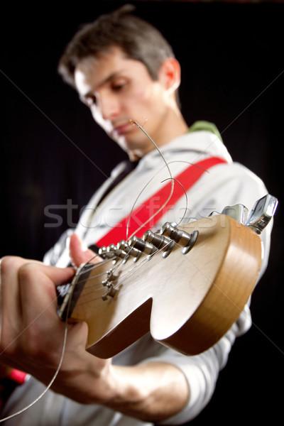 Masculino guitarra vermelho jogar festa homem Foto stock © leedsn