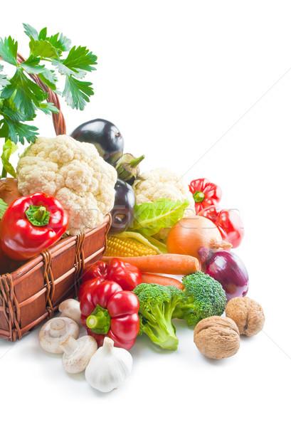 Zöldségek keverék friss érett fonott kosár Stock fotó © Leftleg