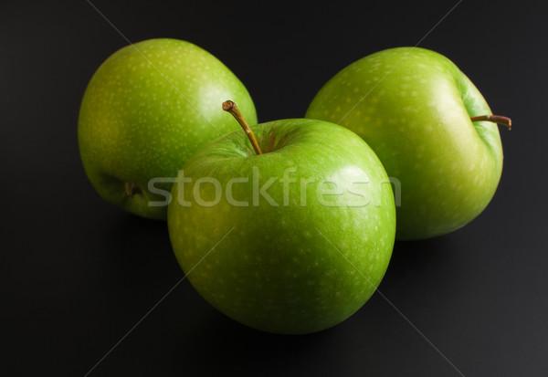 Almák három friss érett zöld közelkép Stock fotó © Leftleg