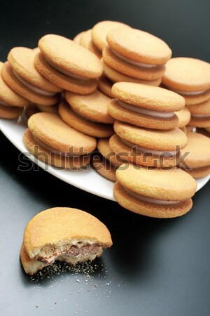 Kekse süß Haselnuss Sahne Pyramide weiß Stock foto © Leftleg