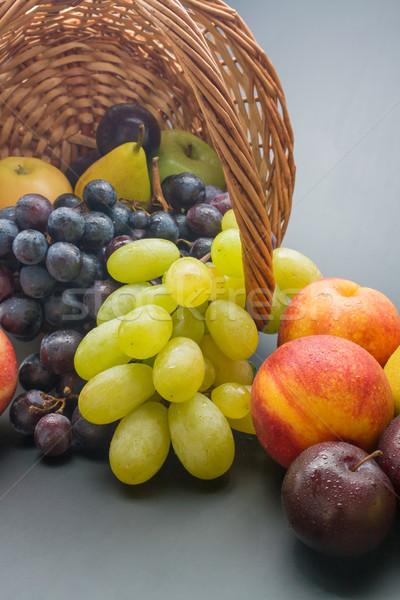 Gyümölcsök egyezség különböző friss érett közelkép Stock fotó © Leftleg