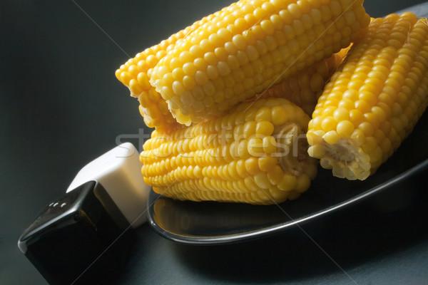 Kukorica frissen főtt közelkép fekete kerámia Stock fotó © Leftleg