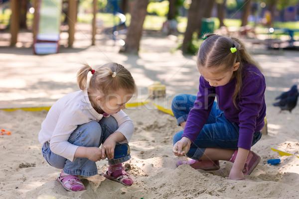 Mutlu oynama bebek yeşil kum Stok fotoğraf © Len44ik