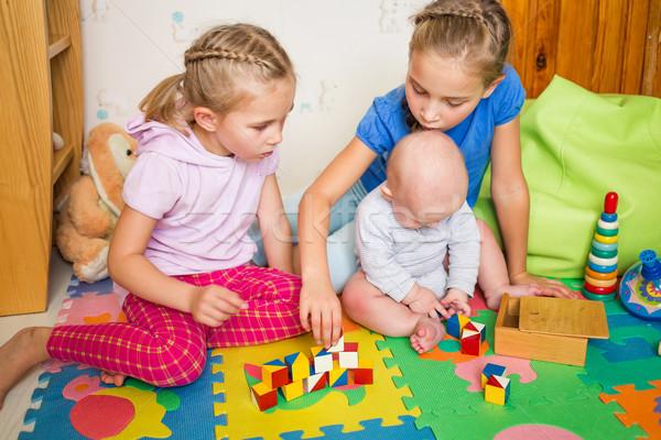 Mutlu oynayan çocuklar küçük kardeş oda kız Stok fotoğraf © Len44ik