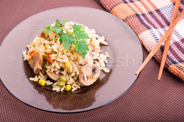 Rijst groenten champignons sojasaus geserveerd voedsel Stockfoto © Len44ik