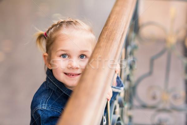 Cute weinig kind winkelen centrum Stockfoto © Len44ik
