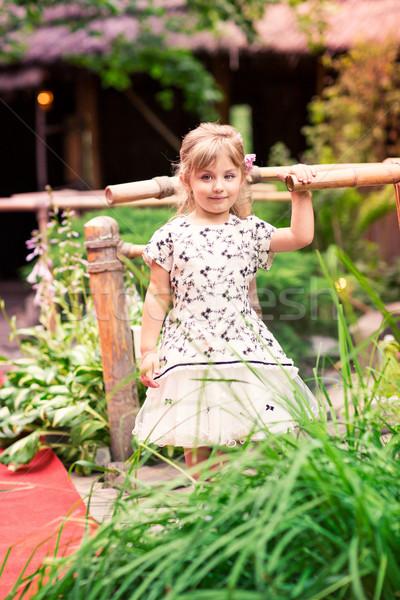 Bambina bella abito outdoor parco Foto d'archivio © Len44ik