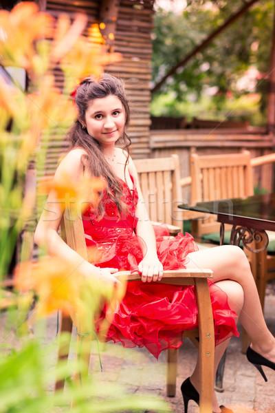 Hermosa niña vestido rojo aire libre parque nina Foto stock © Len44ik