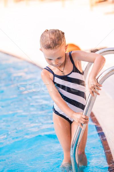 Sevimli küçük kız yüzme havuzu öğrenme bebek yüz Stok fotoğraf © Len44ik