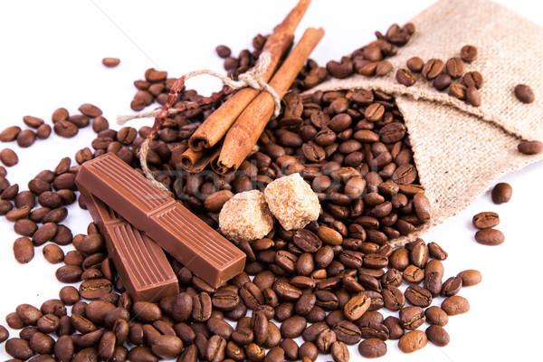 Stock fotó: Kávé · csokoládé · fahéj · izolált · fehér · absztrakt