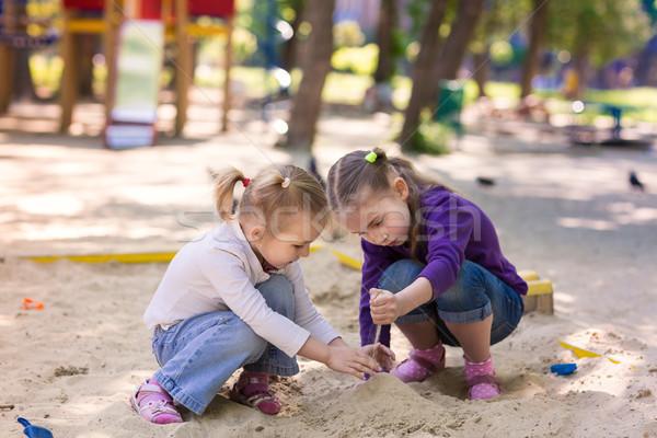 Szczęśliwy gry baby zielone piasku Zdjęcia stock © Len44ik
