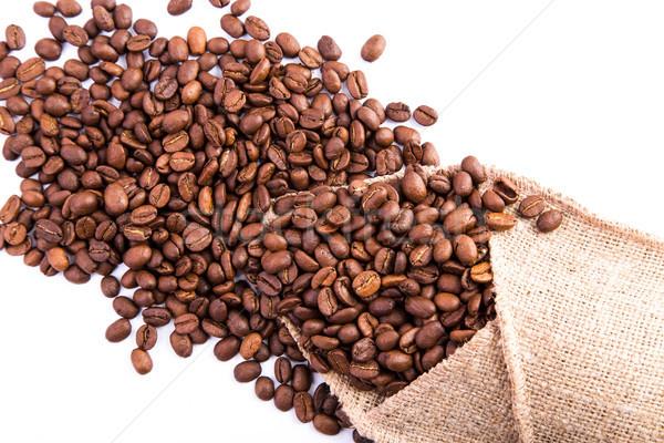 Kahve çekirdekleri yalıtılmış beyaz soyut kalp dizayn Stok fotoğraf © Len44ik