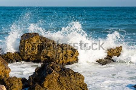 Tenger nagy hullám csobbanások kövek part Stock fotó © Len44ik