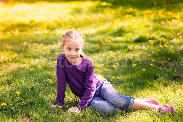 Güzel çocuk karahindiba çiçek küçük kız açık Stok fotoğraf © Len44ik