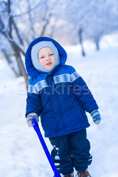 Cute baby jongen spelen sneeuw speelgoed Stockfoto © Len44ik