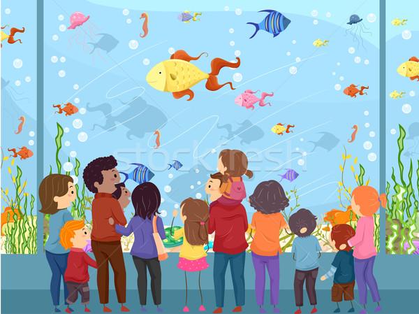 Família aquário ilustração assistindo animais marinhos gigante Foto stock © lenm
