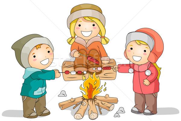 Winter vreugdevuur illustratie kinderen worstjes boven Stockfoto © lenm