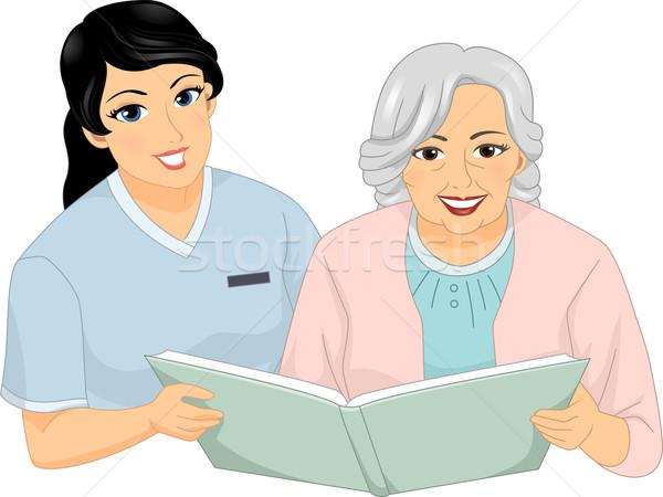 Senior vrouw verpleegkundige lezen illustratie vrouwelijke Stockfoto © lenm