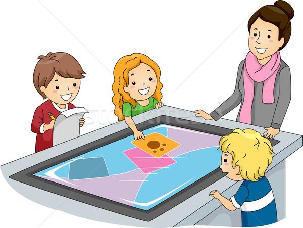 Interaktif yüzey tablo örnek öğretmen izlerken Stok fotoğraf © lenm