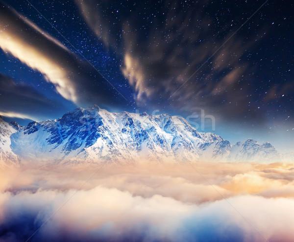 Montagne paysage laiteux façon hiver montagnes Photo stock © Leonidtit