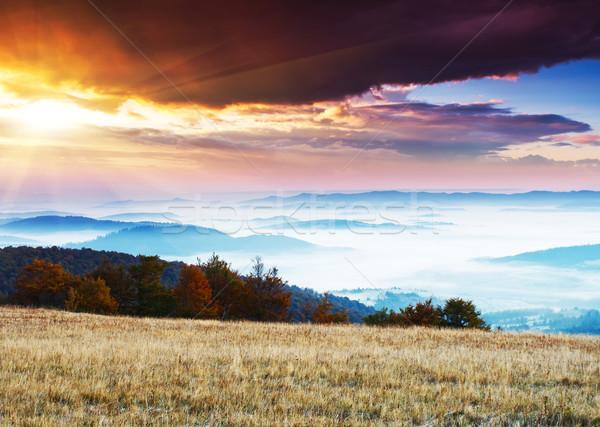Stockfoto: Zonsondergang · fantastisch · ochtend · berg · landschap · kleurrijk