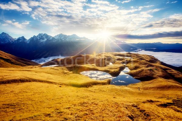 Stockfoto: Fantastisch · berg · landschap · meer · hemel · voet