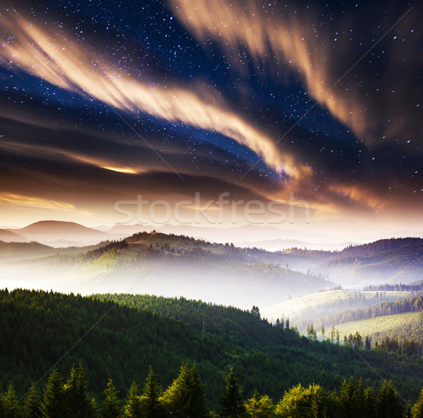 Notte lattiginoso modo montagna panorama drammatico Foto d'archivio © Leonidtit