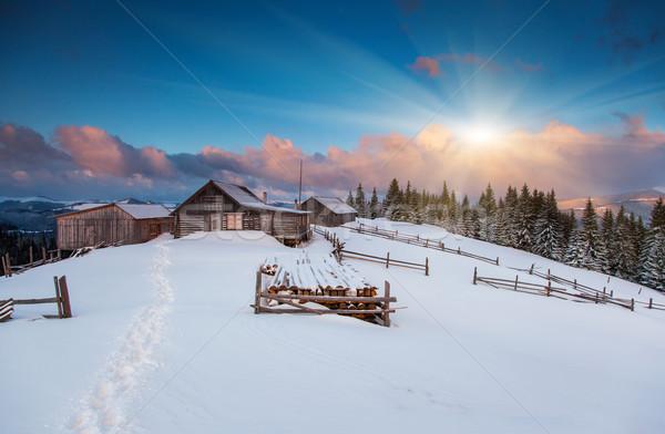 Montanhas paisagem pôr do sol céu casa Foto stock © Leonidtit