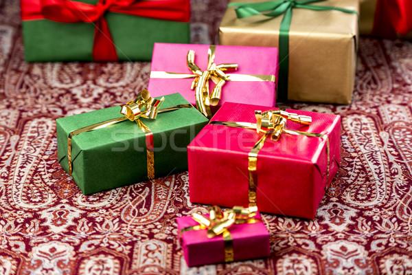 Geschenken Rood groene goud presenteert magenta Stockfoto © leowolfert