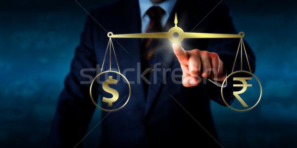 Handlowy indian Dolar faktyczny złoty Zdjęcia stock © leowolfert