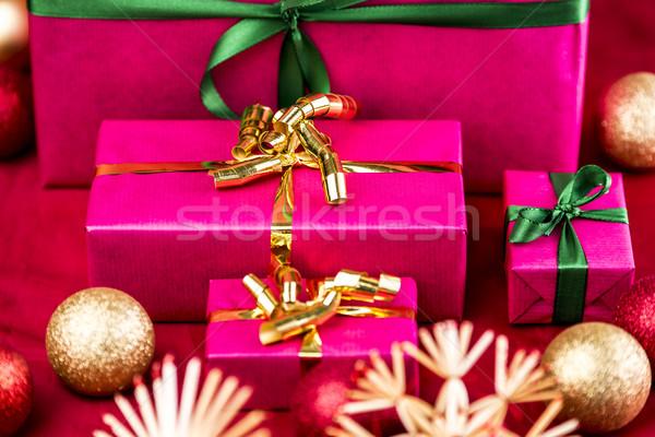 4 クリスマス プレゼント マゼンタ 贈り物 準備 ストックフォト © leowolfert