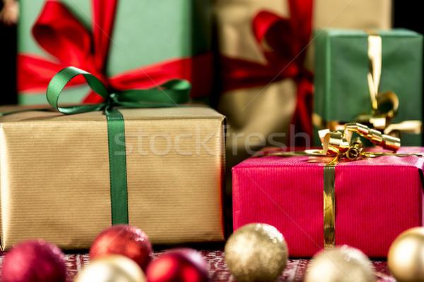 рождество подарки красный зеленый золото представляет Сток-фото © leowolfert
